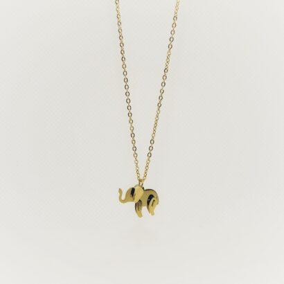 Collar en acero inoxidable con colgante de elefante. Chapado en oro.