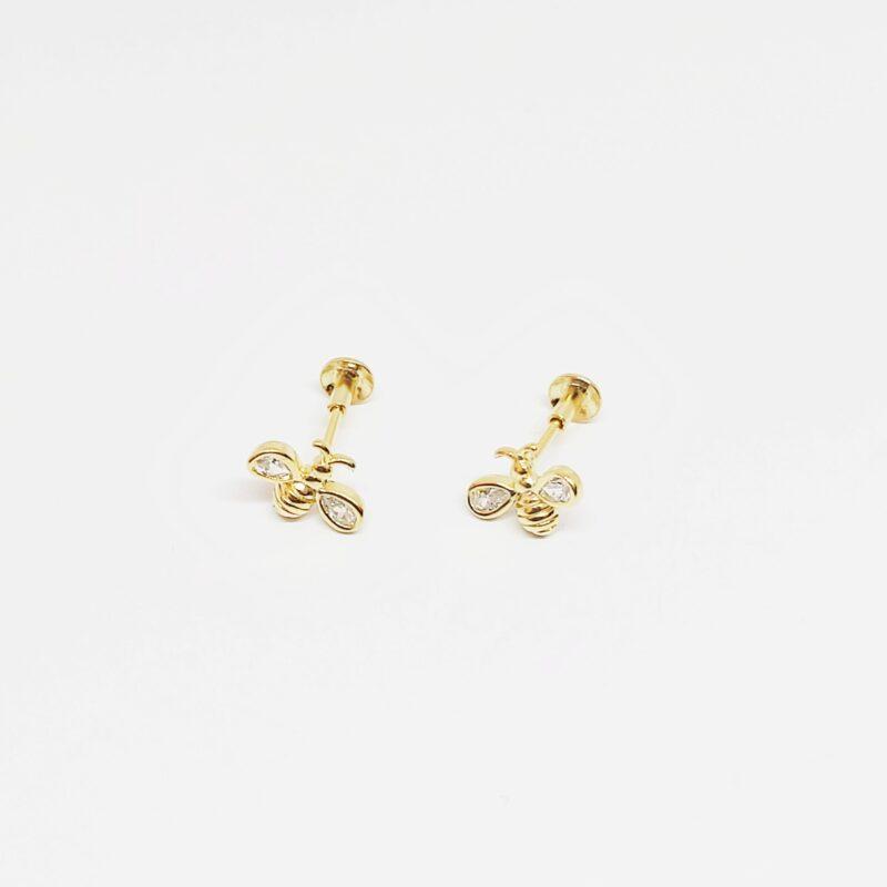 Pendientes Cuzco en plata de ley rodiada y forma de abeja con circonitas blancas. Baño de oro.