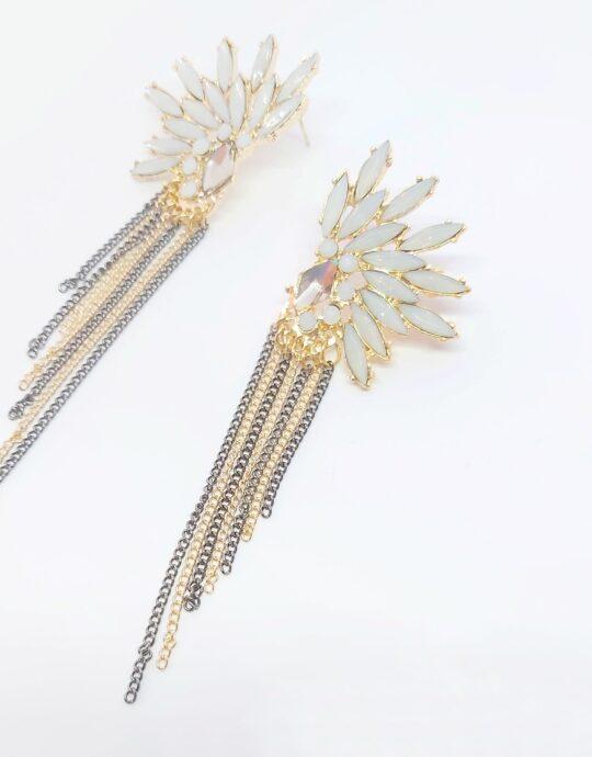 Pendientes Salobreña. Pendientes de fiesta XXL en forma de alas con cristales con tiras colgantes en color dorado y acero.