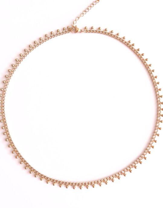 Collar en forma de cadena en acero inoxidable. Bañado en oro.